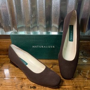 Naturalized brown fabric heels